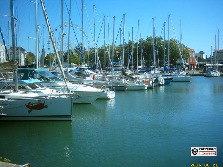 La Rochelle(L'Aquarium de La Rochelle, un des plus grands d'Europe. ... sur le commerce maritime, et jusqu'au XVe siècle, c'était le premier port français sur l'Atlantique.