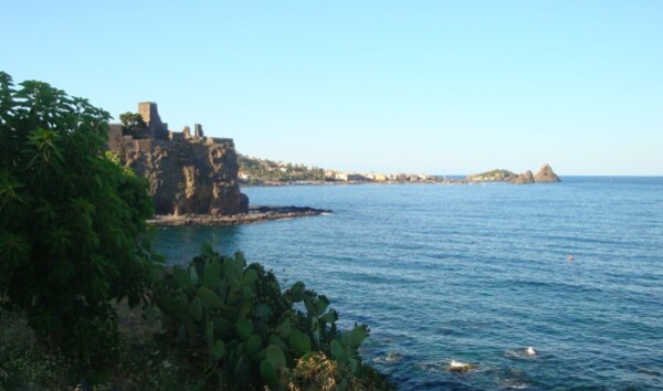 Catane, Aci Castello 1