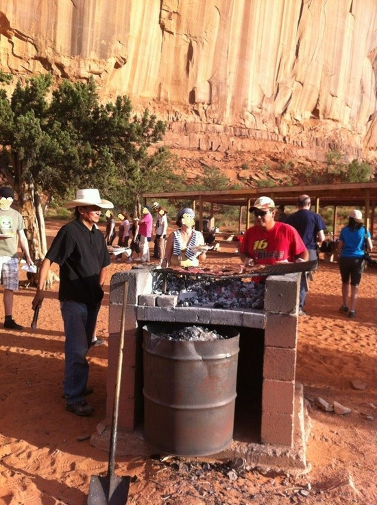 Barbecue avec les indiens à monument valley