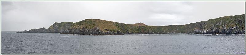 9 heures 20 : le Zodiac de l'équipage remonté, le navire appareille, je prends les dernières photos de ce lieu mythique - Île du Cap Horn - Patagonie - Chili