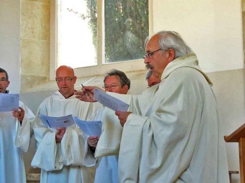 Un concert spirituel à Faverolles-lès-Lucey, par le chœur grégorien de Dijon, les Ambrosiniens..
