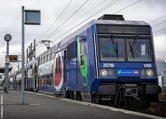 Gare du Nord, un employé de la RATP fait les annonces de la SNCF en arabe !!