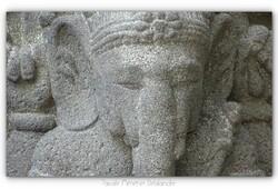 Détails statue pierre de lave zoom numérique à 2400mm