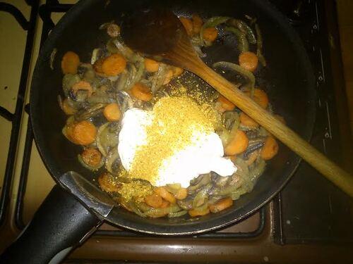 Crêpes fourrées petits légumes/curry et chèvre frais pour un plat rapide, simple et efficace