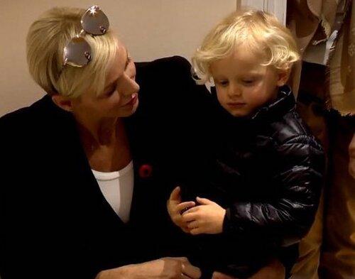 La famille princière visite une garderie, le 15 novembre