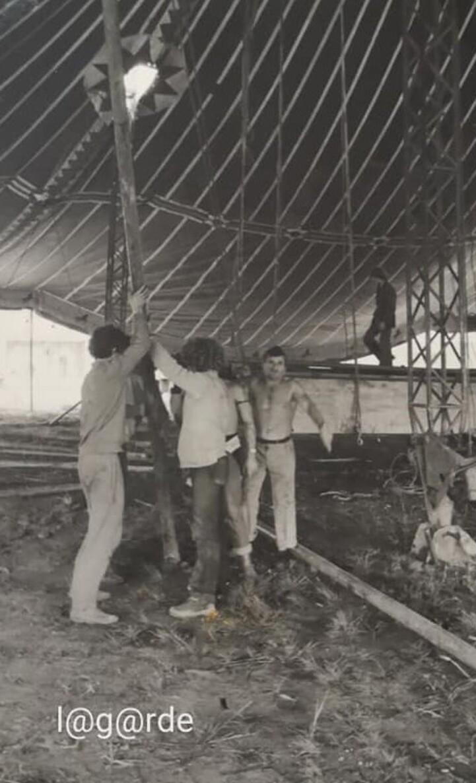 Montage du cirque Jean Richard à Lyon en 1979 ( archives Bruno Lagarde)