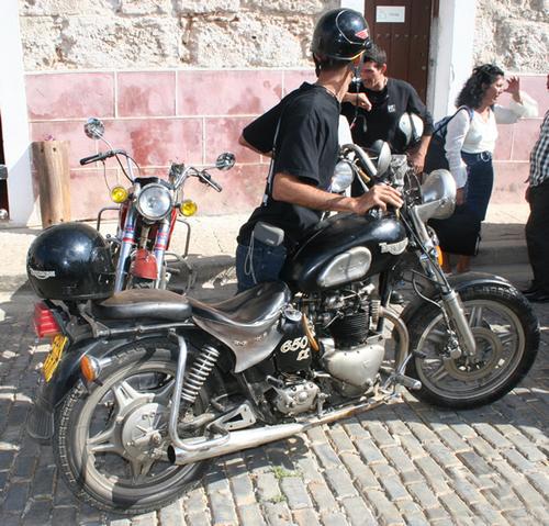 "Les motos du ""Jurassic"" à Cuba (2)"