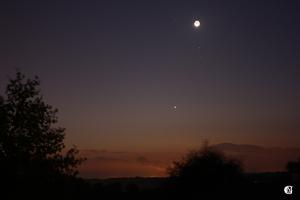 Lune Vénus et Mars au petit matin