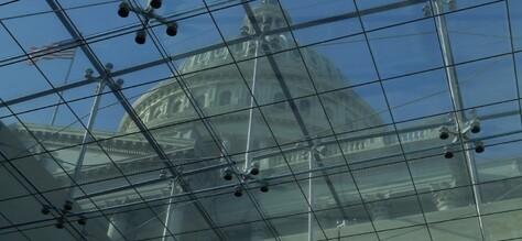 La guerre froide du XXIe siècle a commencé ; La Chambre des représentants adopte la résolution 758
