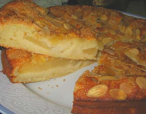 Recette de cuisine : Gâteau aux poires et amandine