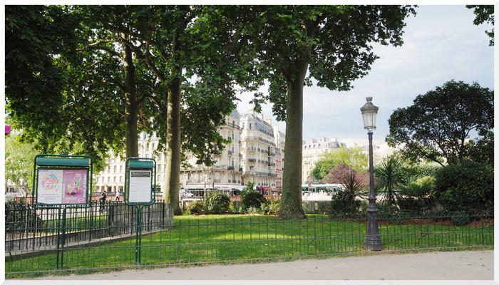 Parvis de Notre-Dame de Paris.