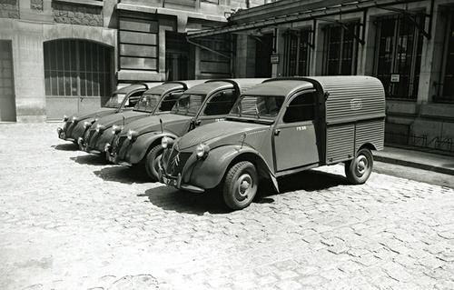L'automobile - La 2 CV
