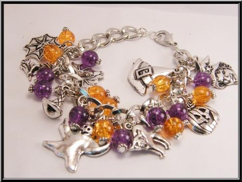Bracelet breloque halloween et perle en verre.