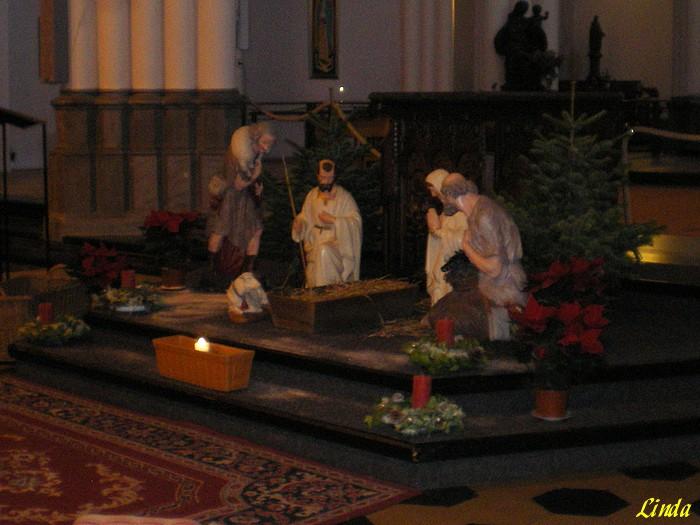 Belgique: Ixelles, église Ste-Croix-2