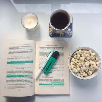 Image de candle, coffee, and college