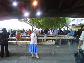 4892761-Book_market_London