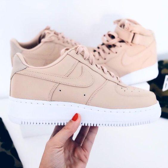 Sneakers femme - Nike Air Force One Low (©sneakerzimmer):