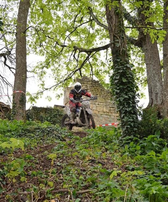 Blog de sylviebernard-art-bouteville : sylviebernard-art-bouteville, Enduro du château de Bouteville 30.03.2014