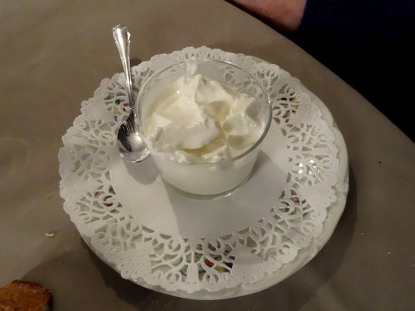 L'hôtel du Roy à Aisey a servi un délicieux repas aux peintres des Amis du Châtillonnais
