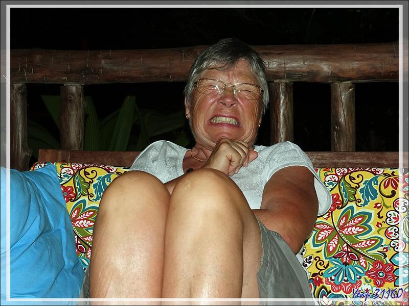 Le sourire de l'énervée un soir à Sakatia - Madagascar