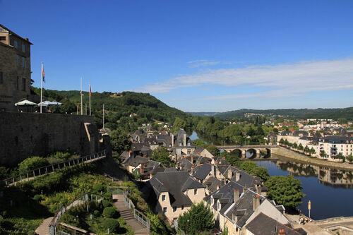 Saint-Léon-sur-Vézère et Terrasson-Lavilledieu