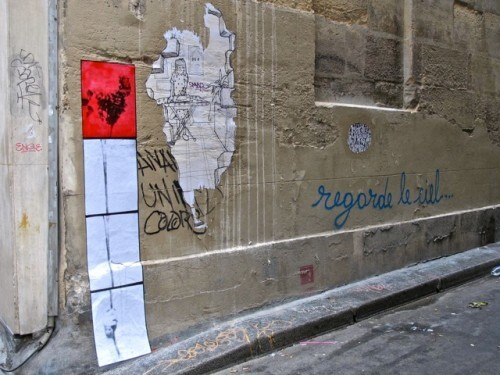 regarde le ciel tag street-art Beaubourg