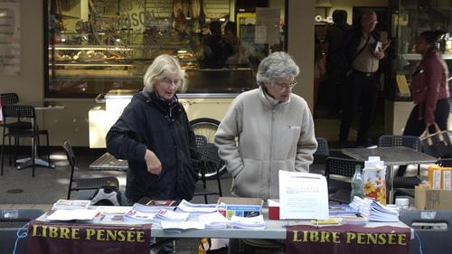 Digne les Bains: La Libre Pensée 04 tenait un stand boulevard Gassendi!