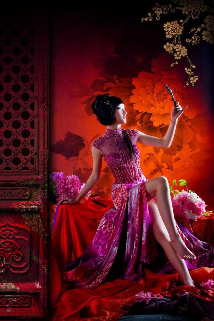 美丽优雅的东方女子