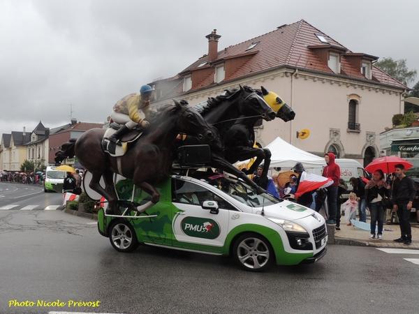 Une étape du Tour de France vue par Nicole Prévost...