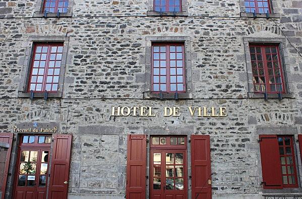 ville haute St Flour -11-