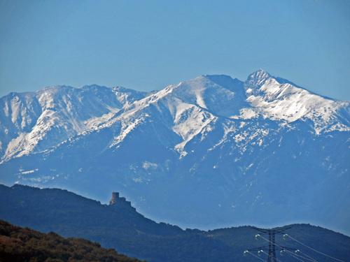 Les Contreforts des Monts Tauch depuis Maisons (Aude)