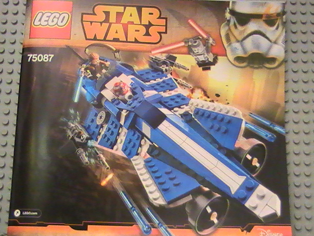 Légo STAR WARS n° 75087 de 2015 - Anakin's custom jedi starfighter.