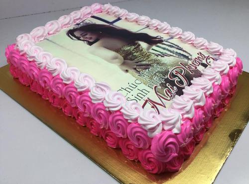 Phát khóc với những chiếc bánh sinh nhật chưa kịp ăn đã nổ tung vào mặt chủ
