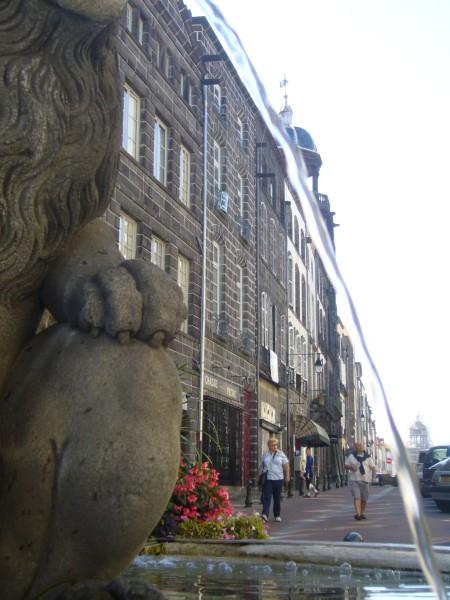 RIOM - rue de l'horloge