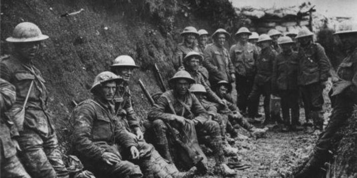 Bertrand Tavernier : « célébrons ces soldats de 1914   qui ont osé fraterniser avec l'ennemi »