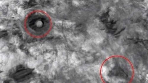 Une pyramide et un dôme découverts sur Mars !
