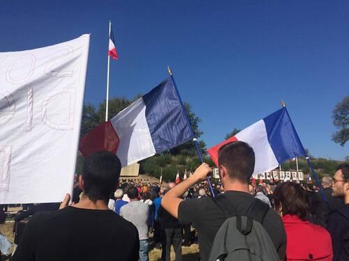 77ème anniversaire de la fusillade de Chateaubriant les jeunes communistes des JRCF y étaient !