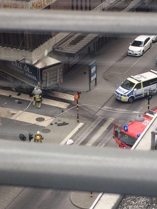 Un camion a renversé des passants à Stockholm, blessant plusieurs personnes, a fait savoir la police suédoise.