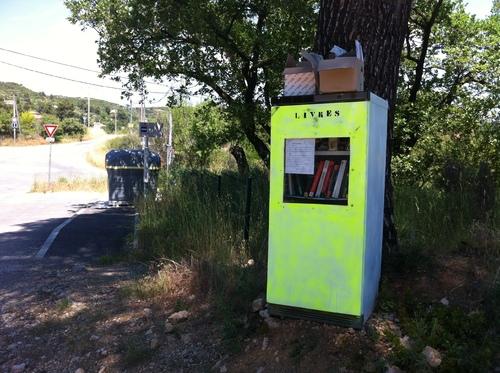 Initiative dans les hauteur : Le frigo-bibliothèque