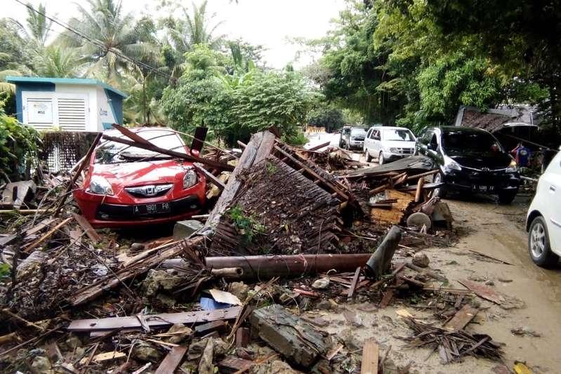 Indonésie: 168 morts et dizaines de disparus après un tsunami