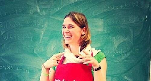 Wolu1200 : Bel hommage fleuri des élèves de Don Bosco à leur professeur Cloé