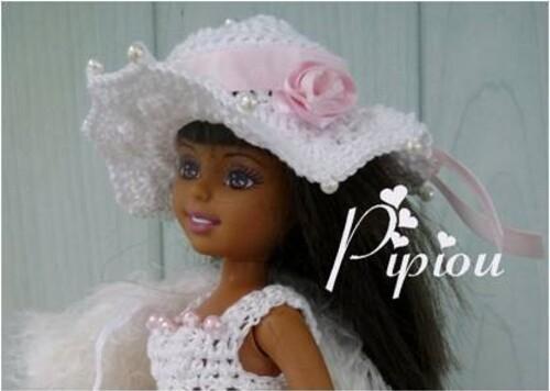 Angelique-chapeau.jpg