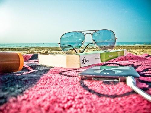 Beach reading | Summer Loving