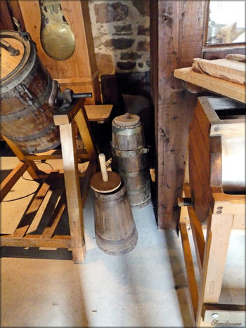 Outils de fabrication du beurre (vieux métiers d'Argol)