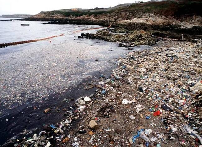La Mer n'est par une poubelle ... !!!
