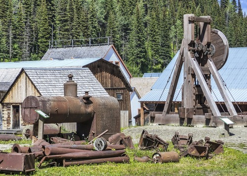 What Are Mining Town Buildings? Should You Buy Them?
