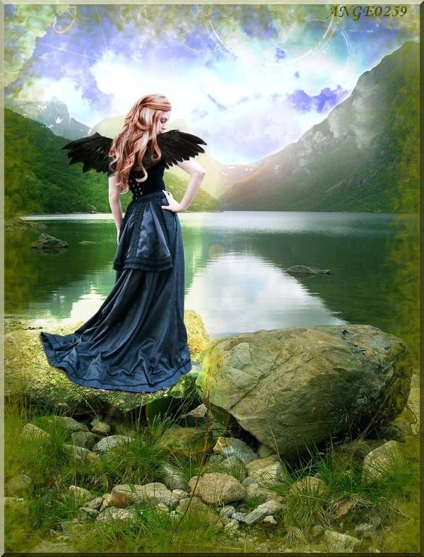 Un ange au bord de l'eau
