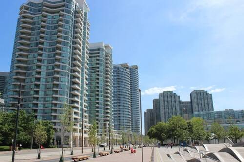 A Toronto, tout est bien plus beau, Toronto / Canada