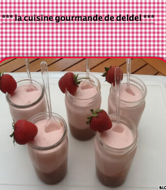 VERINE DE MOUSSE CHOCOLAT ET SA MOUSSE DE CHANTILLY FRAISES