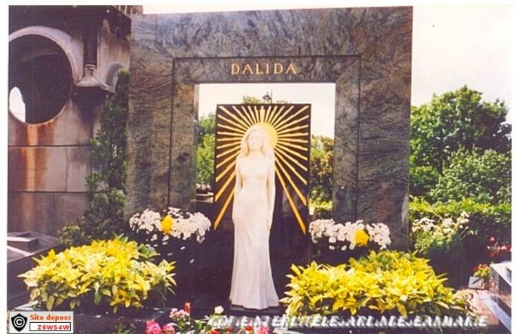 Dalida(26 ans dèja) pour mon père(créations droits réservés copie interdite)